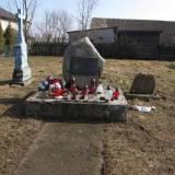 Manie. Pomnik na cmentarzu z 1831 r.
