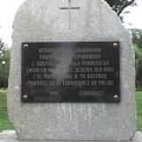 Tablica na pomniku.