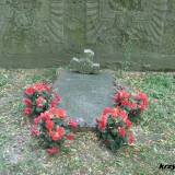 Płyta z nazwiskami 13 poległych w marcu 1915 r.