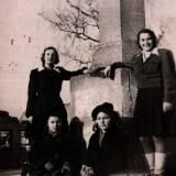 pomnik1949.jpg