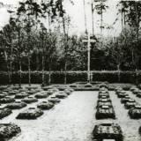 rettkau_uscianek_heldenfriedhof_2.jpg
