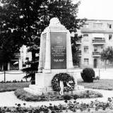 kreuz-pomnik2.jpg