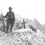 Grób Innerkoflera na Monte Paterno