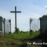 Brama na cmentarz w Duniłowiczach.