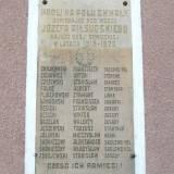 Tablica pamiatkowa w Sadłowie.