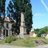Pomnik-obelisk poległych w Reszlu.